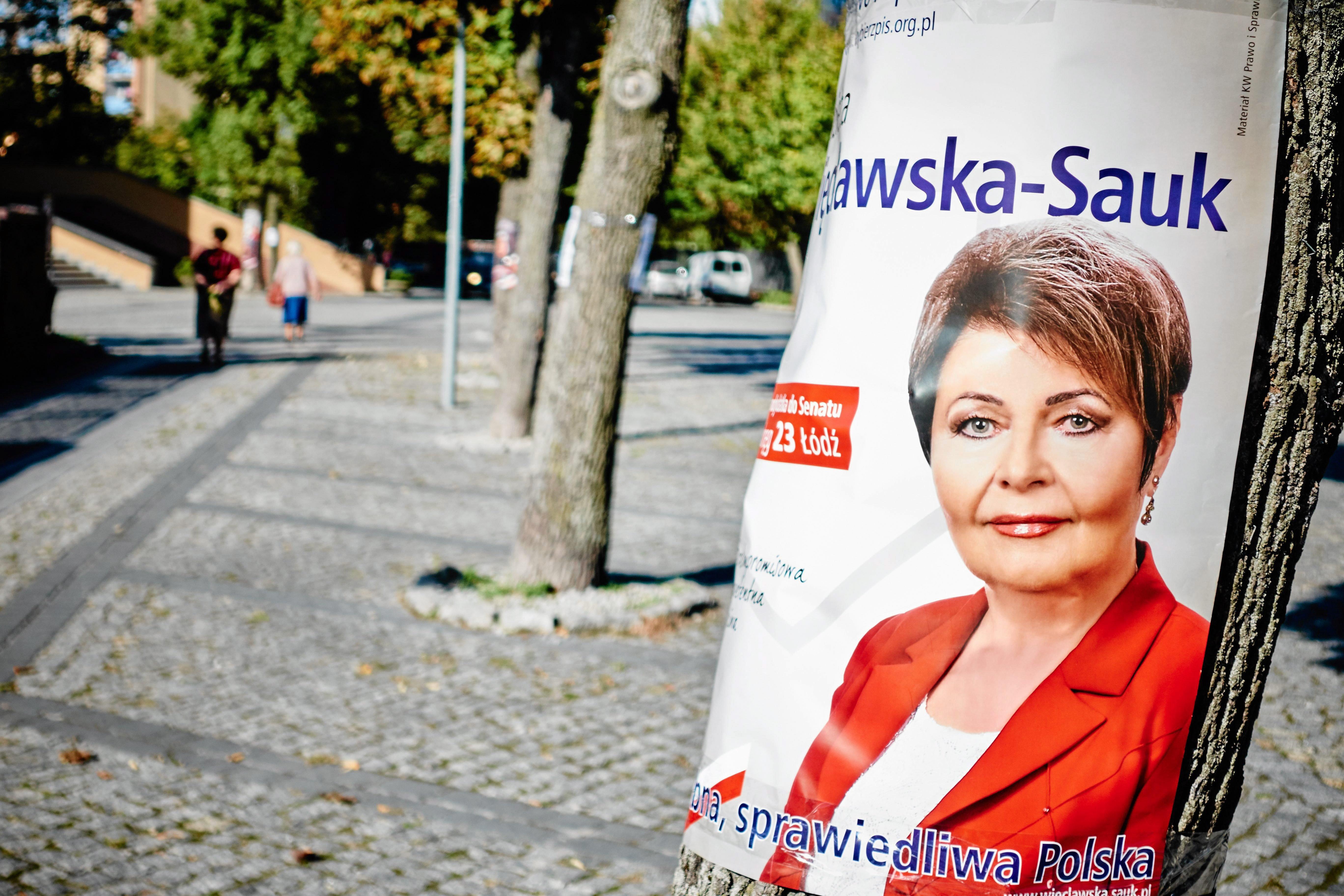 Plakaty Wyborcze Pis U Na Terenie Kościoła łódź