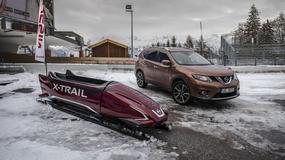 Nissan X-trail jeździ po lodzie