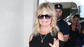 Goldie Hawn w rockowym stylu na lotnisku. Wygląda na 71 lat?!