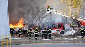Wielki pożar pod Tczewem. Płonie hala magazynowa