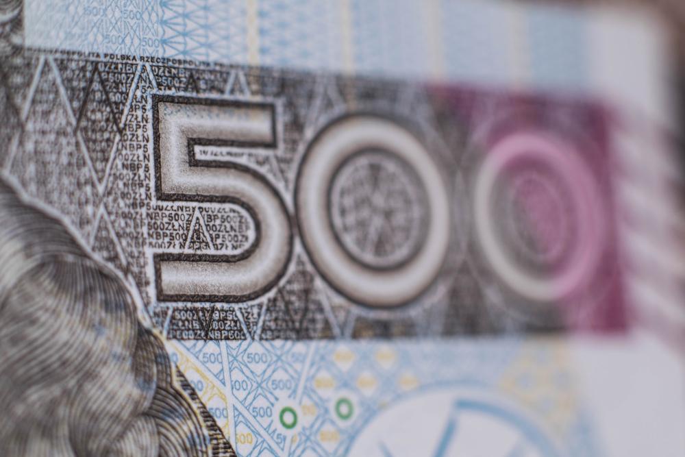 Brakuje pieniędzy na wypłaty 500+ w Warszawie. Problem może być dużo  poważniejszy niż się wydaje - Praca i kariera - GazetaPrawna.pl - prawo i  rynek pracy