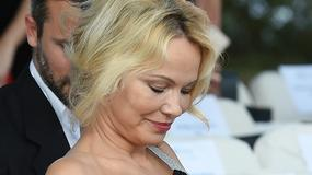 Pamela Anderson (prawie) zaliczyła seksowną wpadkę. Omal nie pokazała piersi!