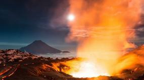 """Erupcja wulkanu Tołbaczik (Tolbachik) na Kamczatce - otwarte """"wrota piekieł"""""""