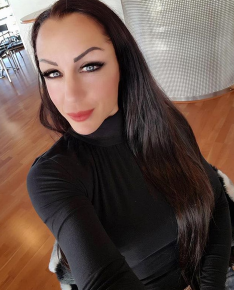 Ljuba Pantović fotkom u TOPLESU SRUŠILA INTERNET: Skinula se i poslala ŽESTOKU poruku! (FOTO)