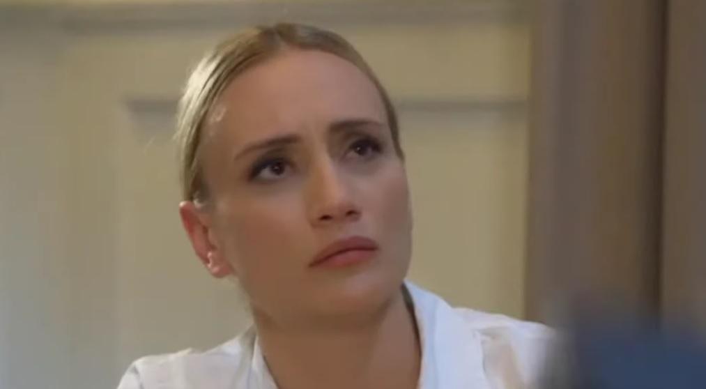 Zavoleli ste je kao lepu služvaku Višnju, a Jelena je u braku sa 15 godina starijim rediteljem!