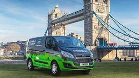 Hybrydowe vany Forda oczyszczą Londyn ze spalin