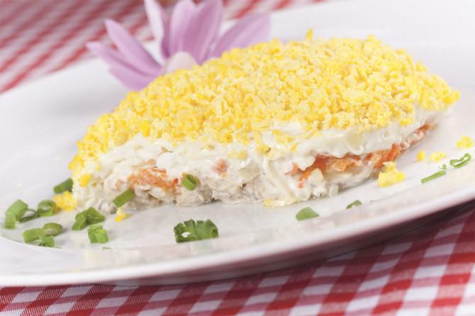 Majonez je glavni sastojak mimoza salate