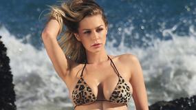 Kate Compton chwali się ciałem w skąpym bikini. Seksowna?