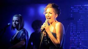 Magda Steczkowska z zespołem Indigo na Walentynki
