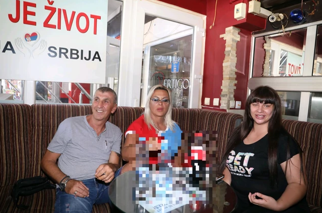 Siniša, Marija i Miljana Kulić