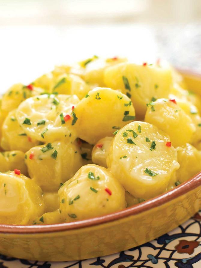 Malo drugačija krompir salata