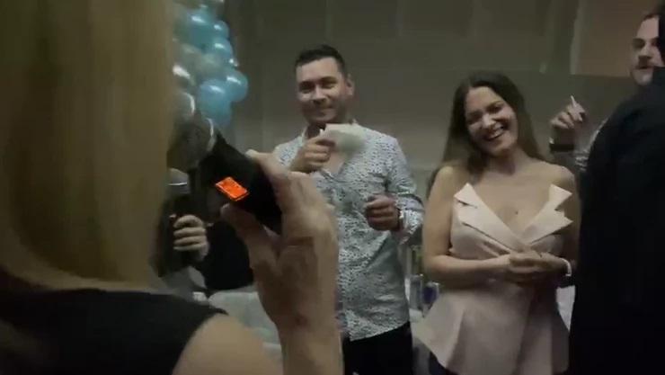 Ćerki poznate pevačice je danas rođendan, a majka joj je dirljivim rečima priredila iznenađenje i to usred žurke u domu Ražnatovića!