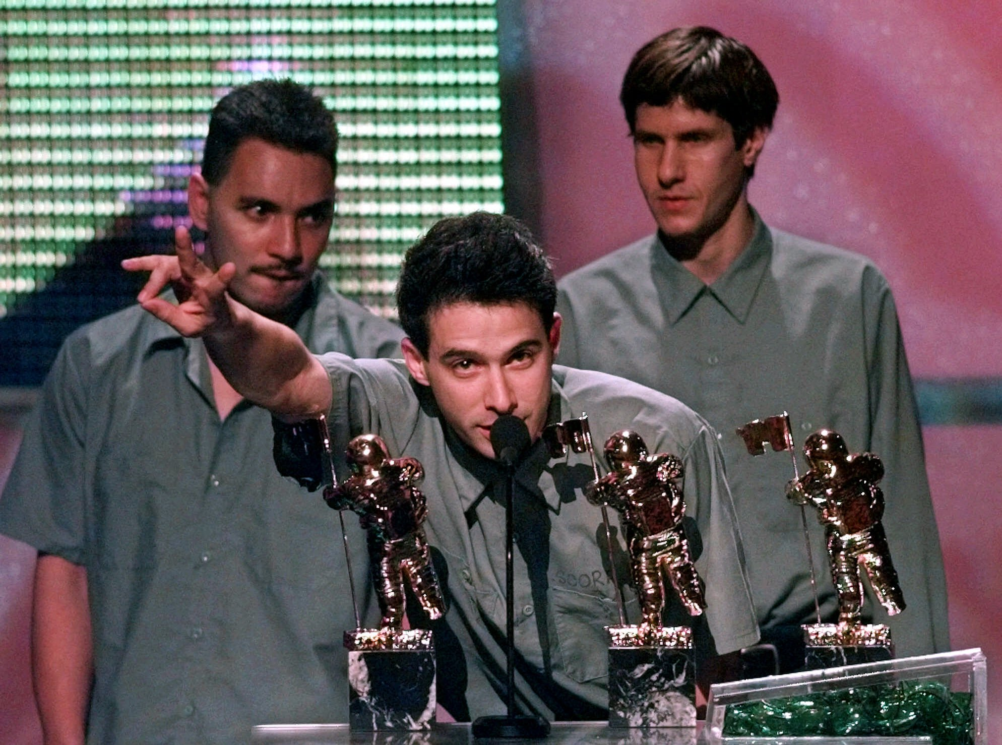 Beastie Boys na gali MTV Video Music Awards in Los Angeles w 1998 roku