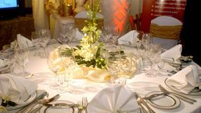 Jak ozdobić stół weselny?