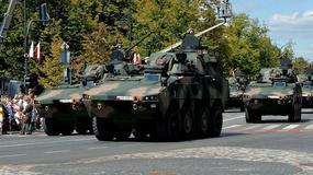 Szef MON utknął w Honkerze, ale polska armia ma skuteczniejsze terenówki