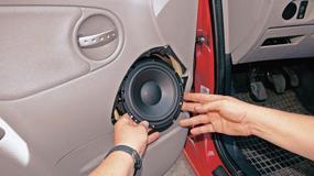 Jak samodzielnie zamontować głośniki w przednich drzwiach?
