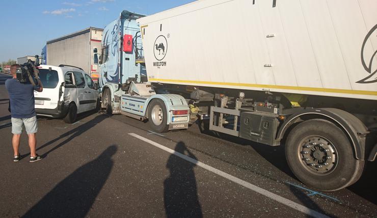 A kialakult helyzet kapcsán életveszélyre hívja fel az autósok figyelmét közleményében a Magyar Közút Nonprofit Zrt /Fotó: Blikk