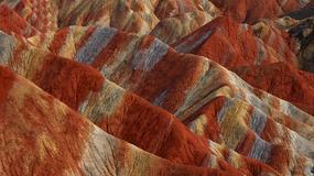 Chiny - Danxia - kolorowe skały