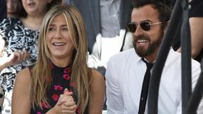 Jennifer Aniston i Justin Theroux na odsłonięciu gwiazdy Jasona Batemana w Hollywoodzkiej Alei Sławy