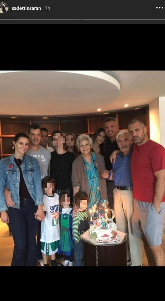 Eminu dečko upoznao sa porodicom