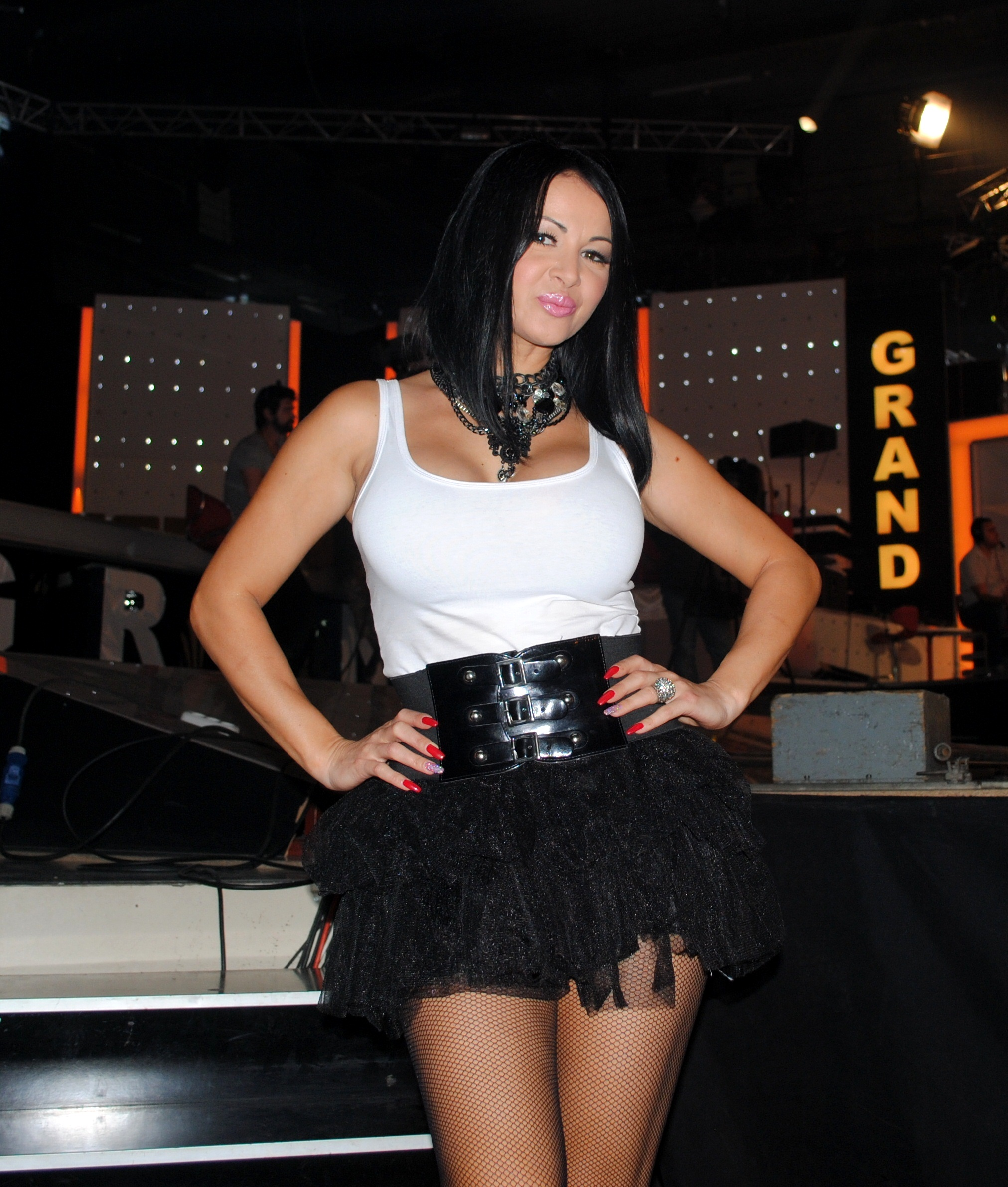 Tina Ivanović je više od 20 GODINA na estradi, a retko ko zna njeno PRAVO IME: IZNENADIĆETE SE KAD ČUJETE!