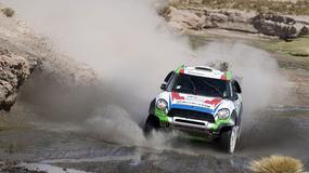 Dakar 2015: kolejna ofiara, Sainz liderem (9 etap, wyniki)