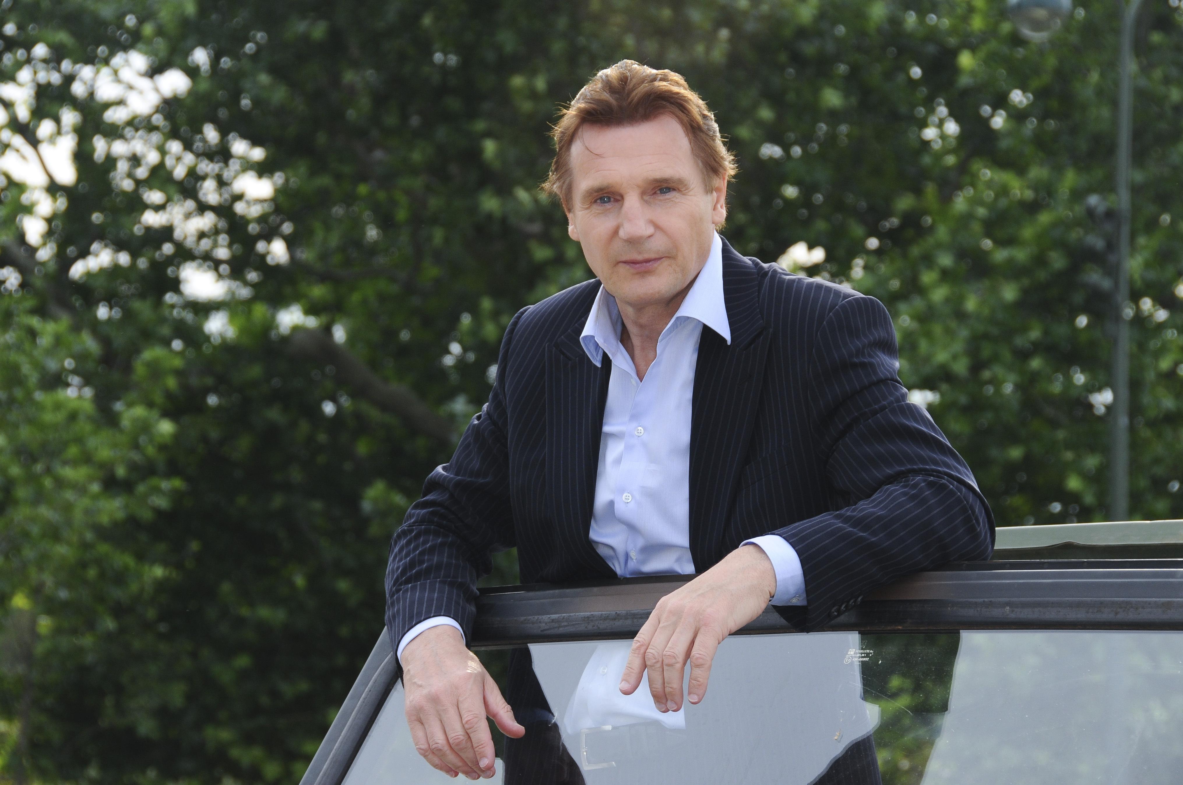 jak duży jest penis Liam Neesons