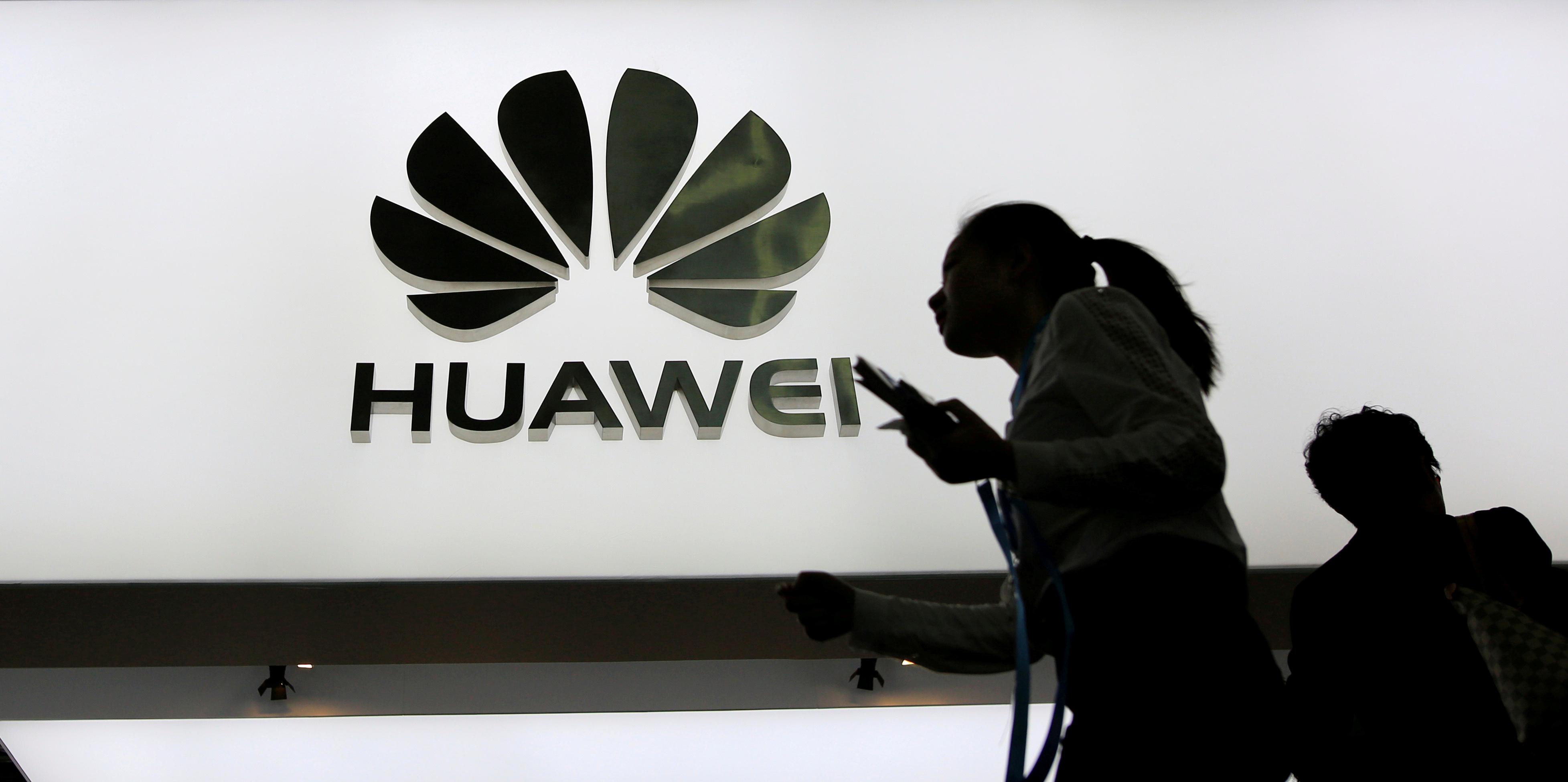 """61fafaa9f571c3 Czy Huawei szpieguje nas na zlecenie chińskiego rządu? """"Zagrożenie jest  duże"""" - Świat - Newsweek.pl"""