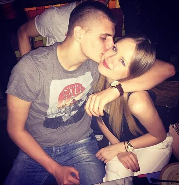 PRVE FOTOGRAFIJE SA VENČANJA: Košarkaš Nikola Jokić se oženio, mlada blista u beloj venčanici! (FOTO)