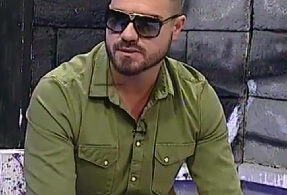 JEDNA TRAGEDIJA MU JE PROMENILA ŽIVOT: MC Stojan  je završio fakultet, pozajmio 300 evra za spot, a danas pliva u parama!