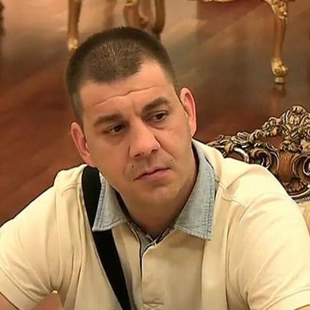POVREĐEN IVAN MARINKOVIĆ: Oglasio se sav u ZAVOJIMA i izbezumljenim licem! (FOTO)