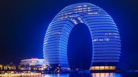 Sheraton Huzhou Hot Spring Resort - chiński hotel jak podkowa lub pączek