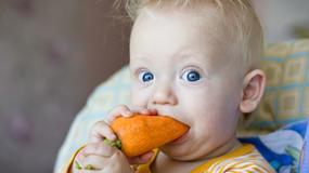 Truskawki, orzechy, miód - czy podawać je maluszkowi?