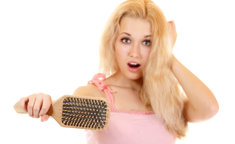 niski poziom progesteronu a wypadanie włosów