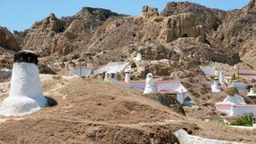 Špansko selo u kojem stanovnici žive POD ZEMLJOM
