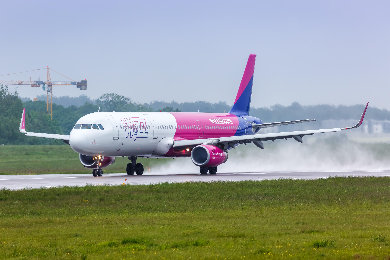 Niebezpieczne lądowanie samolotu Wizz Air. Za sterami polski