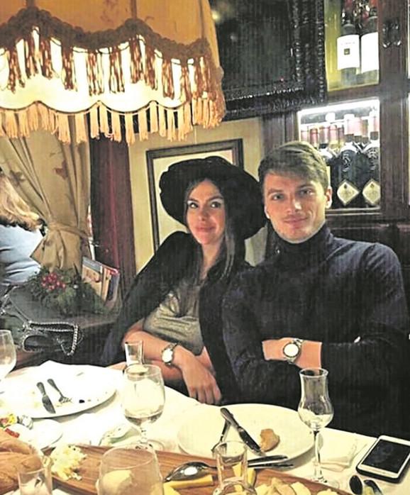 Adem Ljajić sa devojkom