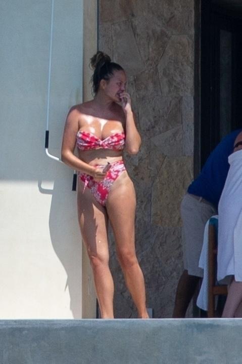 Krisi Tajgen u kupaćem kostimu
