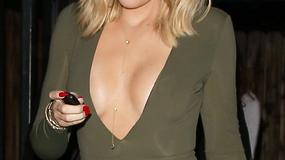 Śmiały dekolt Khloe Kardashian