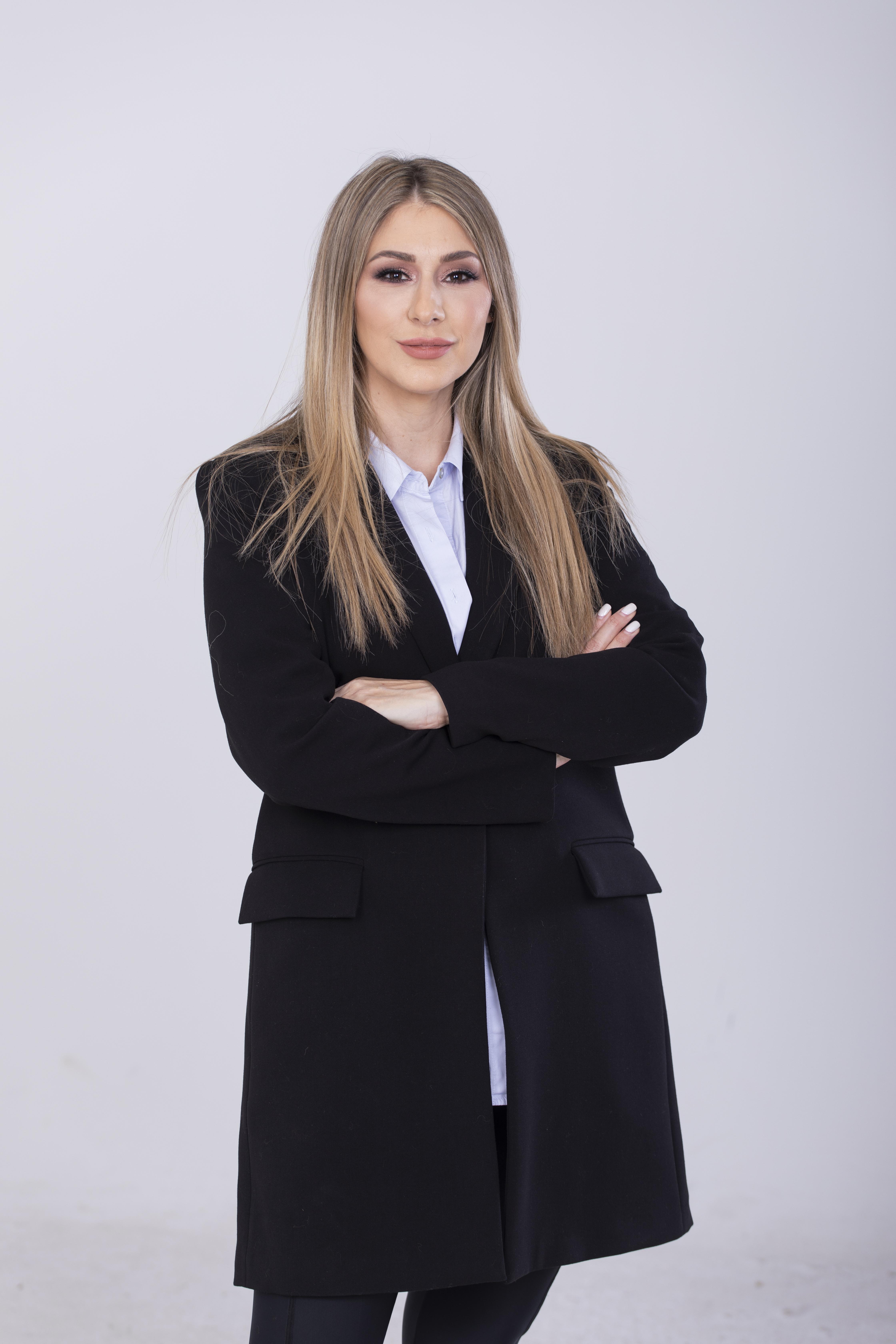 Voditeljka SLAGALICE SE PREPOLOVILA: Kristina Radenković je smršala 20 kilograma i sada IZGLEDA OVAKO!