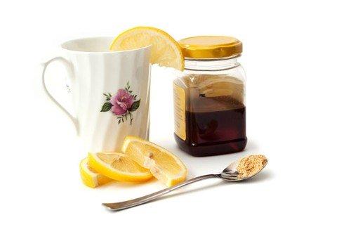 Čajevi s limunom i medom će vam sigurno prijati