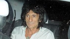 Ronnie Wood z Aną Araujo w Londynie