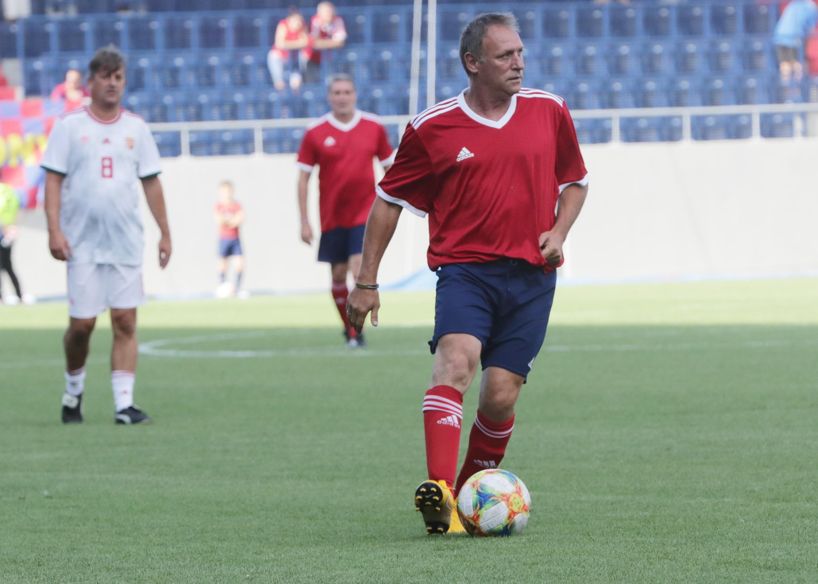 Váczi Zoltán (jobbra) a Vasassal és a Békéscsabával is bronzérmes volt az NB I-ben. Volt az év focistája is / Fotó: Grnák László