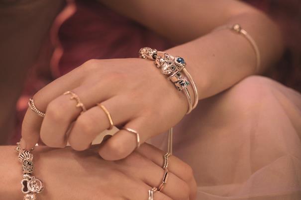 Elegantan i moderan nakit sa kojim nema greške