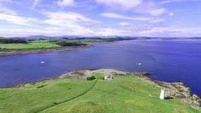 Szkocka wyspa z mroczną historią na sprzedaż. Za 1,5 mln zł może być twoja