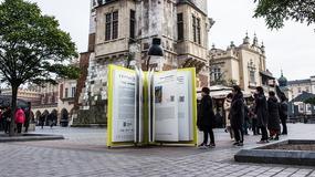 Na rynku w Krakowie stanęła gigantyczna książka