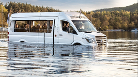 Mercedes-Benz Sprinter, który potrafi pływać