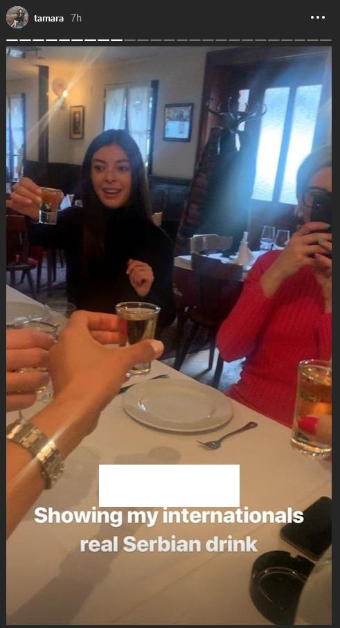 Tamara sa prijateljima