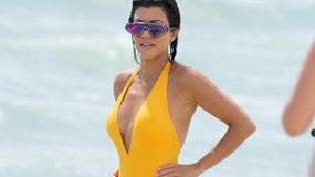 To dopiero sexy mama. 37-letnia Kourtney Kardashian z seksownym dekoltem