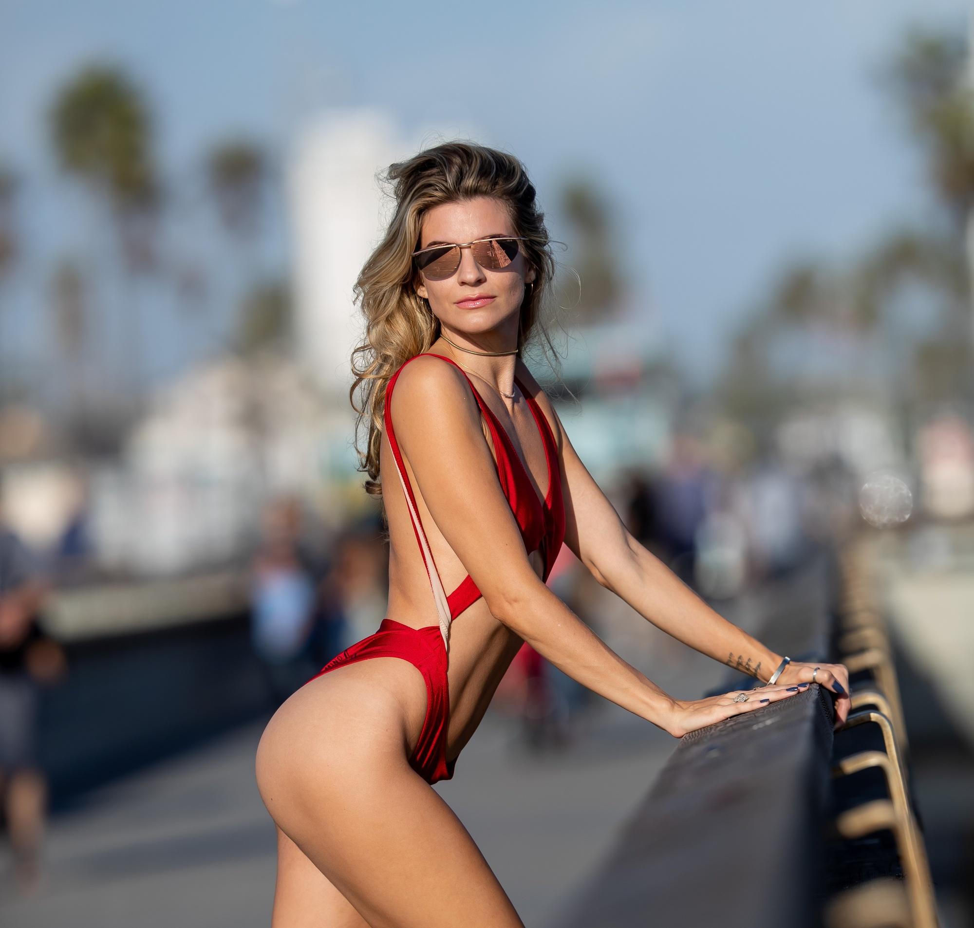 a8a1bde5b9c308 Rachel McCord pozuje w bardzo seksownym stroju kąpielowym. Co za ciało! -  Uroda